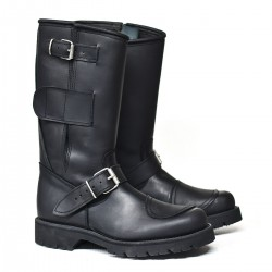 MOTORCYCLE BOOT WITH REIFORCEMENT
